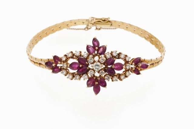 [Auction 73] Lot 24 – A bracelet