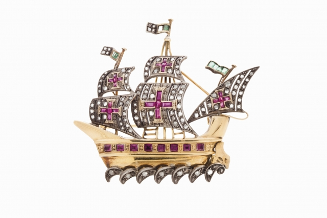 """[Auction 73] Lot 27 – A """"caravel"""" brooch"""