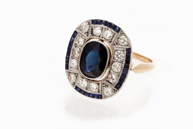 [Auction 73] Lot 40 – An Art Deco ring