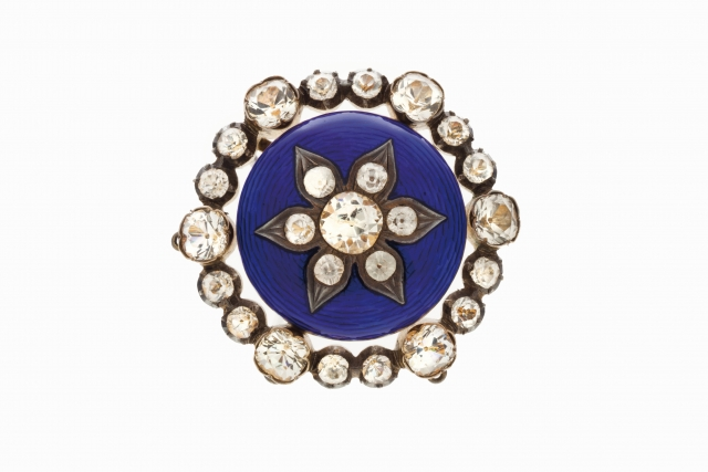 [Auction 73] Lot 42 – A brooch