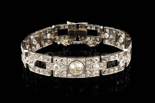 An Art Deco bracelet