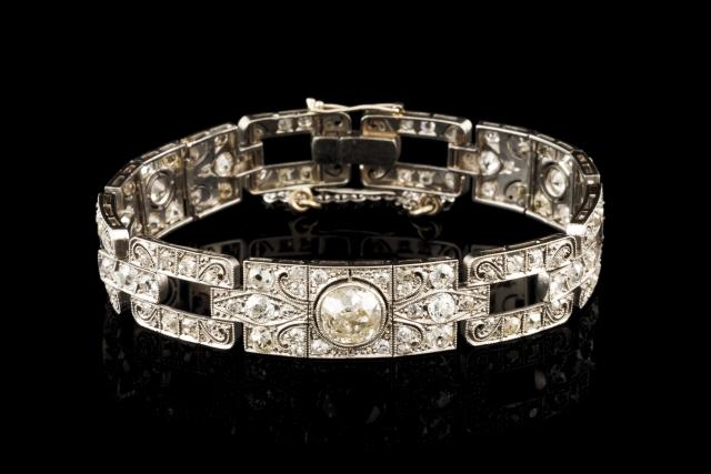[Auction 73] Lot 6 – An Art Deco bracelet