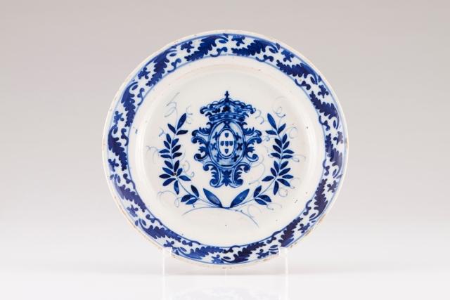 [Auction 72] Lot 10 – A plate