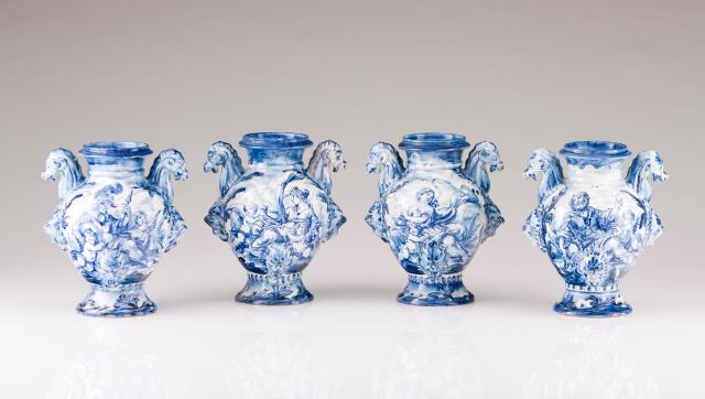 [Auction 72] Lot 12 – A set of four amphoras
