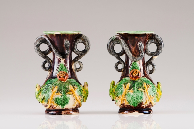 [Auction 72] Lot 25 – A pair of small vases
