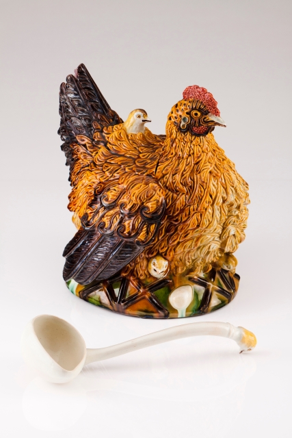 [Auction 72] Lot 27 – Chicken with chicks