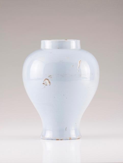 [Auction 72] Lot 7 – A vase